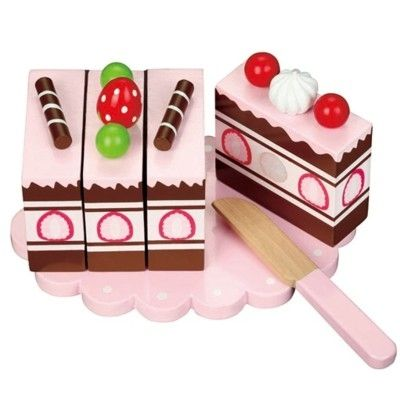 Legemad - kage i træ med jordbær